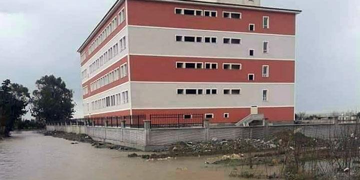 Samandağ'da okullar 1 gün tatil edildi