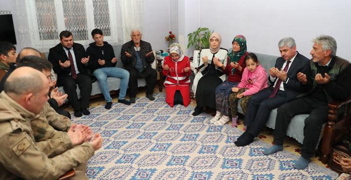 Vali Doğan'dan Barış Pınarı Şehidi Çınar'ın ailesine ziyaret