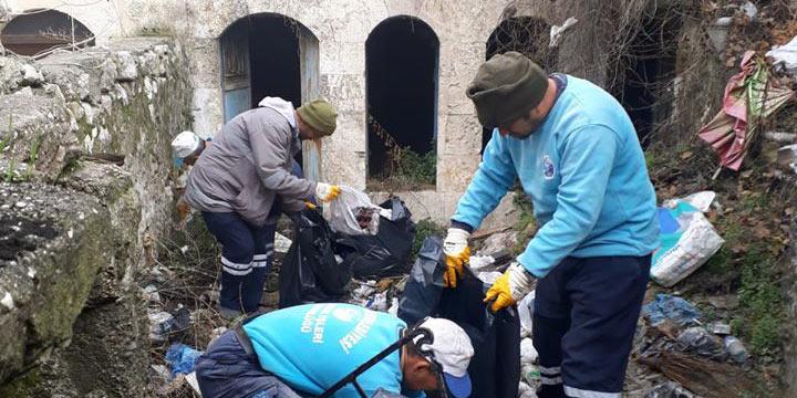 Antakya metruk evler temizleniyor