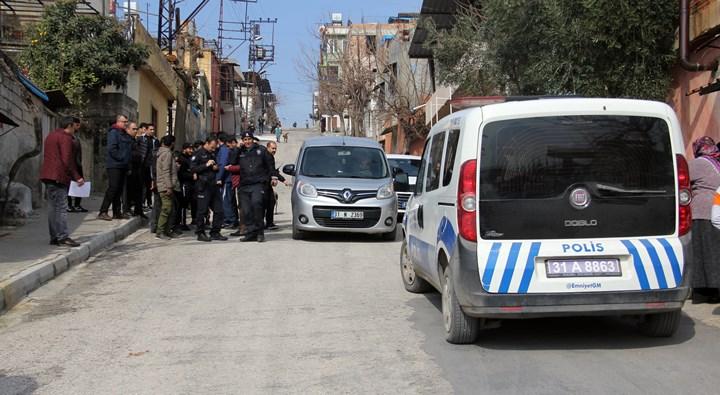 Kırıkhan'da eşi tarafından başından vurulan kadın hayatını kaybetti