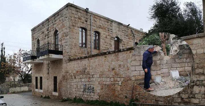 Cemil Meriç Kültür Evi'ne yıldırım düştü