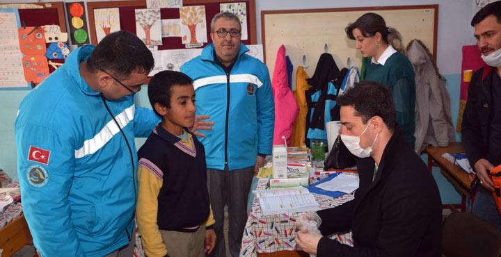 """Kırıkhan'da """"Çocuklar Sevgisiz, Dişler Bakımsız Olmaz"""" projesi"""