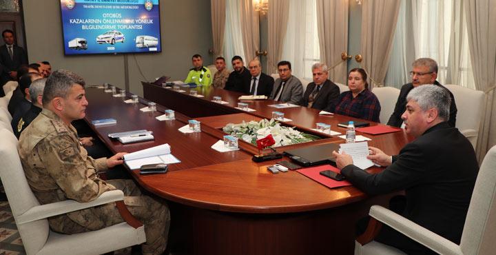Tüm ilçelerde Otobüs Kazalarının Önlenmesine Yönelik toplantı yapıldı