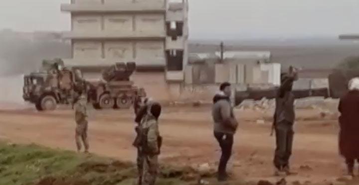Rejim güçleri çok namlulu roketatar ile vuruldu VİDEO