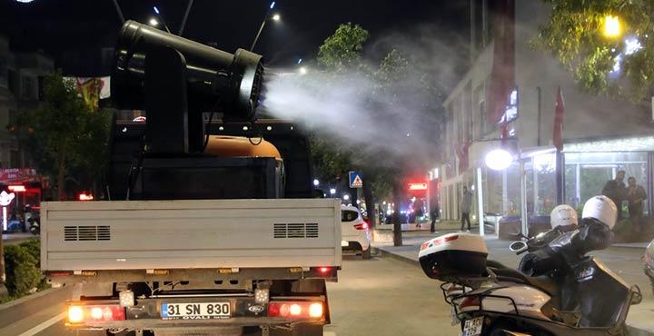 Hatay'da cadde ve sokaklar dezenfekte edildi