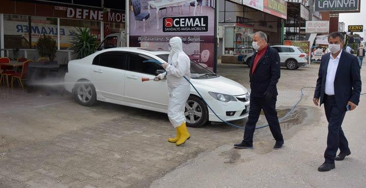 Uzun Çarşı ve Ayakkabıcılar Çarşısı dezenfekte edildi