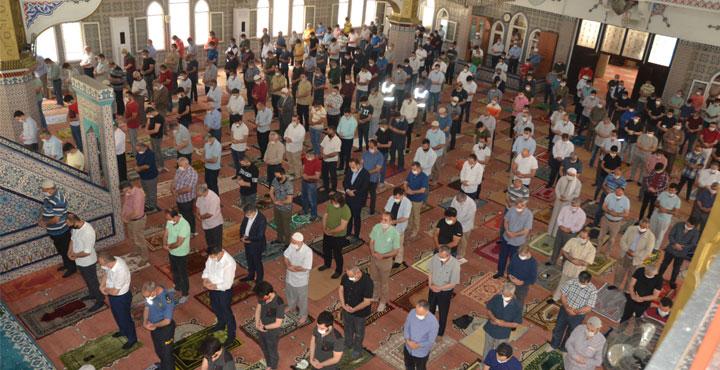 Camilerde 5 vakit namaz kılınacağı duyuruldu