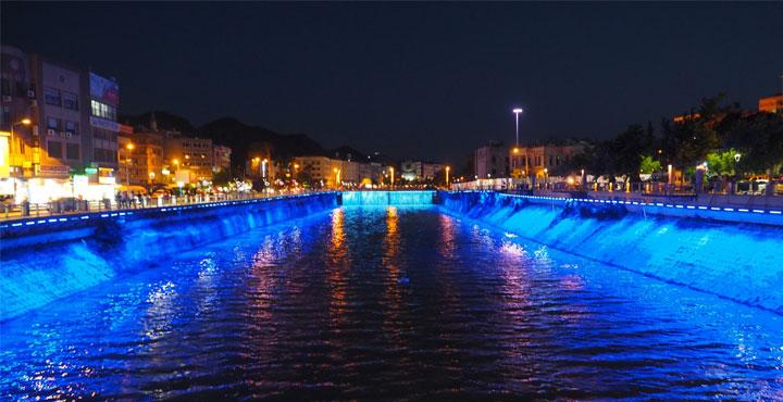 Asi Nehri Işıklandırıldı
