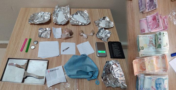 Uyuşturucu Ticareti Yapan Şahıslar Yakalandı