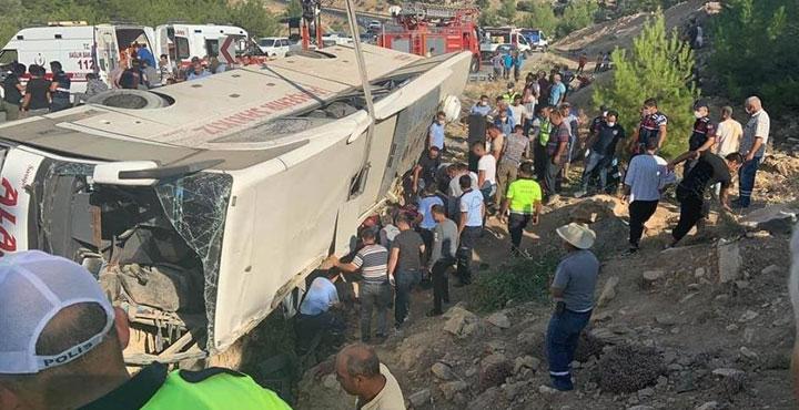 Mersin'de Otobüs Devrildi: 5 Asker Şehit Oldu