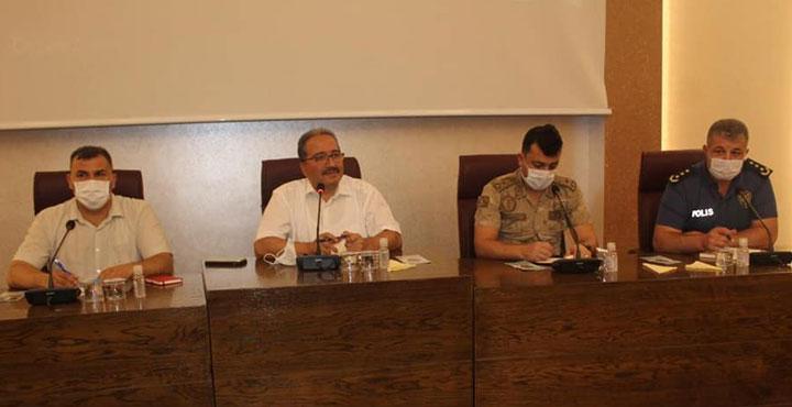 Reyhanlı'da Muhtarlar ile Halk ve Güvenlik Toplantısı Gerçekleştirildi