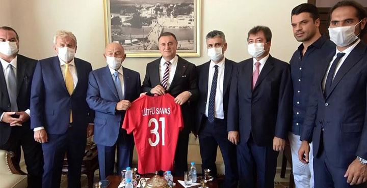 TFF Başkanı Nihat Özdemir, Başkan Savaş'ı Kutladı