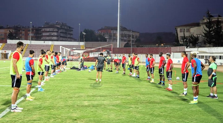 Atakaş Hatayspor'da 3 futbolcunun Covid-19 testi pozitif çıktı