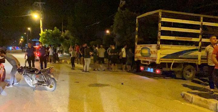 Kamyonet, motorsiklete çarptı; Motorsiklet sürücüsü yaralandı