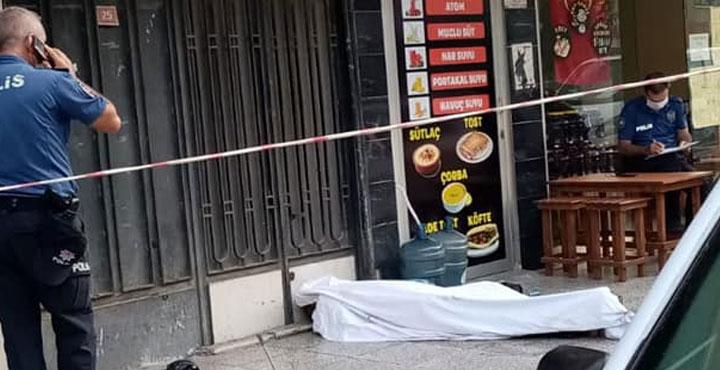 İskenderun'da 1 kişi kaldırımda ölü bulundu