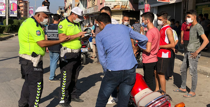 Kırıkhan'da motosiklet denetimi; 6 motor trafikten men edildi