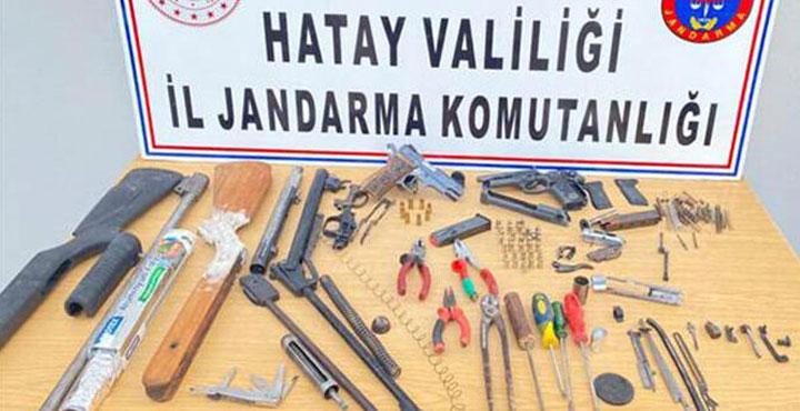 Evini silah atölyesine çeviren şahıs gözaltına alındı