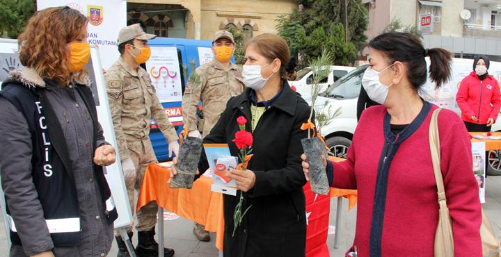 Kadına yönelik şiddete karşı farkındalık etkinliği yapıldı