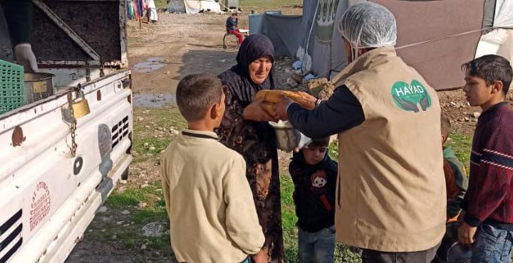 Suriyelilere günlük 1000 kişilik sıcak çorba ikramı