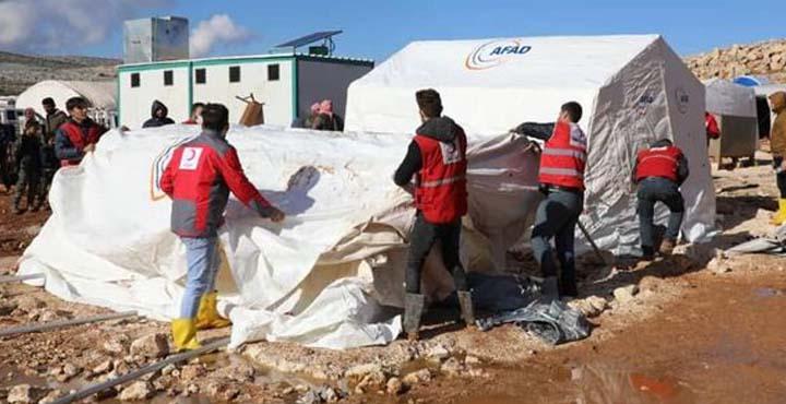 İdlib Bölgesinde Sel Mağduru Sığınmacılara Çadır ve İnsani Malzeme Yardımı