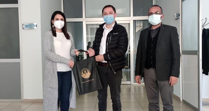 Kaymakam Kayabaşı'ndan sağlık çalışanlarına yılbaşı hediyesi