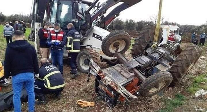 Belen'de traktör devrildi; 1 ölü