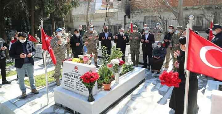 İdlip'te Şehit Olan Askerler Mezarları Başında Anıldı