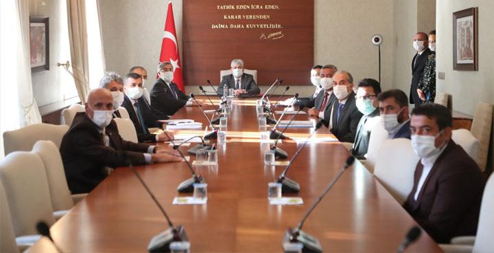 Kırıkhan OSB'de Parsel Tahsisatı ve Altyapı Çalışmalarına Başlanıyor