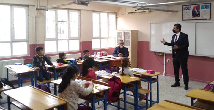 Kırıkhan'daki Okullarda Deprem Eğitim Çalışması