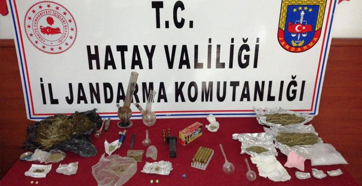 Uyuşturucu Ticareti Yapan 3 Şahıs Yakalandı