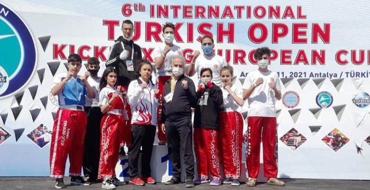 Kick Boks Turnuvasında Hatay'lı Sporcular 3'ü Altın 8 Madalya Kazandı