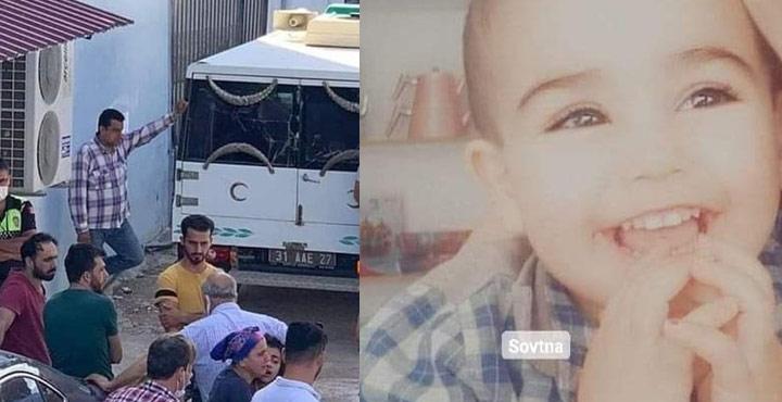 Yolda oyun oynarken araba çarpan çocuk hayatını kaybetti