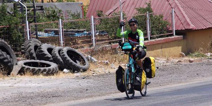 Bisikletiyle 40 gün önce Kaş'tan yola çıkan genç aşçı Hatay'a ulaştı