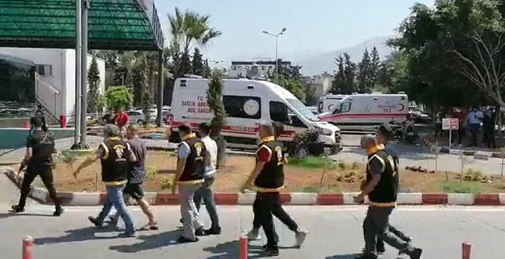 Hatay'da Çeşitli Suçlardan Aranan 13 Şahıs Yakalandı