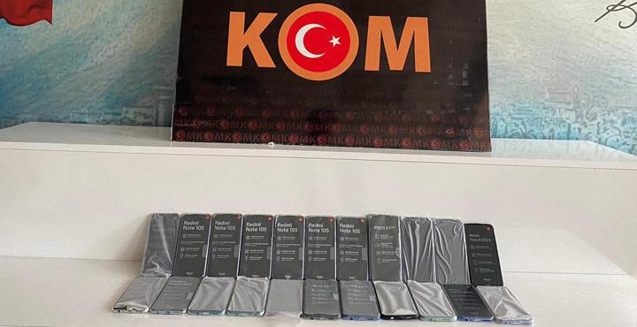 Şüpheli Araç İçerisinden 22 Adet Kaçak Telefon Ele Geçirildi