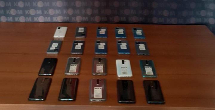 20 Adet Kaçak Akıllı Cep Telefonu Ele Geçirildi