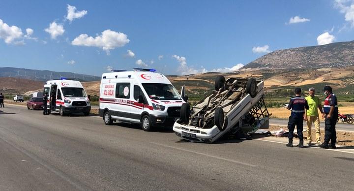 Sürücüsünün hakimiyetini kaybettiği araç takla attı; 6 yaralı