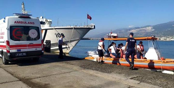 Rahatsızlanan gemi kaptanını Sahil Güvenliğin desteğiyle tedavi altına alındı